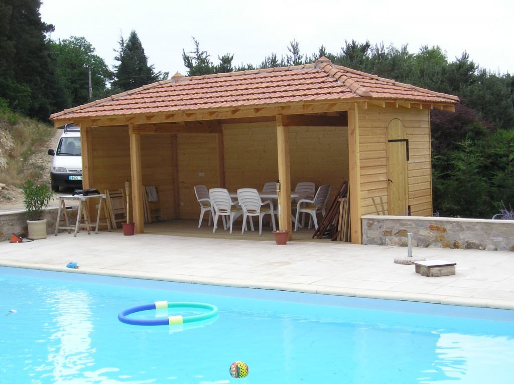 POOL HOUSE 43 Haute Loire